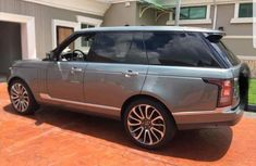 Clean Range Rover Vogue 2015 Green For Sale