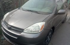 Used Toyota Sienna 2004 Gray For Sale