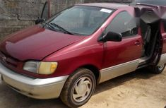 Clean Used Toyota Sienna 1999 Model For Sale