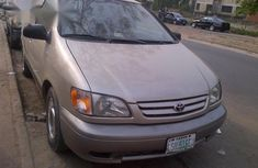 Used Toyota Sienna 2003 Gold for sale
