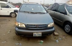 Neat Toyota Sienna 2000 Blue for sale