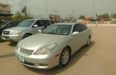 Neatly Use Lexus ES300 2004 Silver for sale