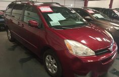 Tokunbo Toyota Sienna 2004 Red for sale