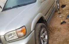 Nissan Pathfinder Jeep 2004 Silver for sale