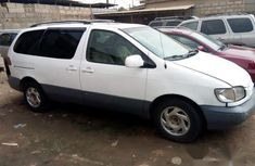 Toyota Sienna 1999 White for sale