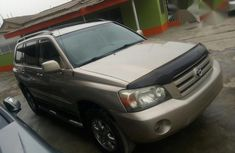Tokunbo Toyota Highlander 2005 Gold for sale