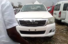 White Manual Toyota Hilux 2015 for sale