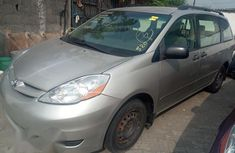 Tokunbo Toyota Sienna 2006 Silver For Sale