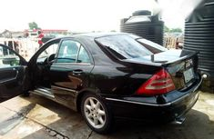 Clean Mercedes-Benz C230 2004 Black for sale