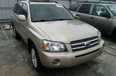 Dentless Toyota Highlander 2005 Model
