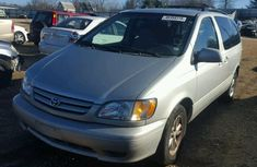 Clean direct Toyota Sienna 2002 silver for sale