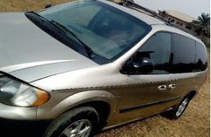 Dodge Caravan 2005 Gold for sale