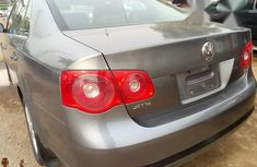 Volkswagen Jetta 2004 Gray for sale