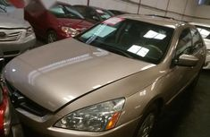 Tokunbo Honda Accord 2006 Gold for sale