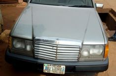Mercedes Benz 230E 1984 Gray for sale