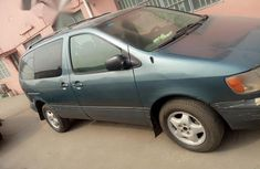 Used Toyota Sienna 1999 Green for sale