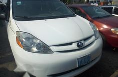 Clean Register Toyota Sienna 2007 White for sale