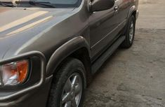 Clean Nissan Pathfinder 2001 for sale