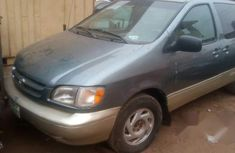 Naija Used Toyota Sienna 1999 Silver for sale