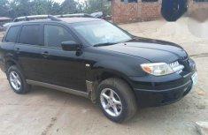 Clean Mitsubishi Outlander 2006 Black for sale