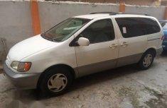 Toyota Sienna 2002 White for sale