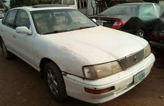 Toyota Avalon 2000 White for sale