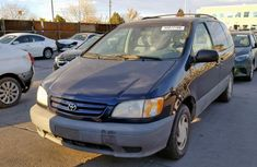 Clean direct tokunbo Toyota SIENNA 1999 Blue for sale