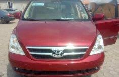 Hyundai Entourage 2007 Red for sale