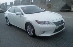 Clean Used Lexus ES 350 2014 White for sale
