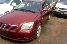 Toyota Avensis 2005 Red for sale