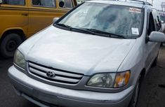 Toyota Sienna XLE 2002 Silver For Sale