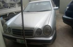 Nigerian Used Neat Mercedes-Benz E200 2002 Silver for sale