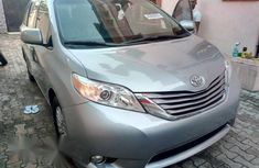 Tokunbo Toyota Sienna XLE 2016 Silver for sale