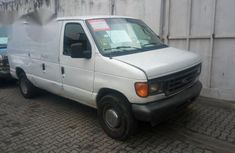 Very Clean Ford E-250 2005 White for sale