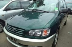 Toyota picnic 2002 green for sale