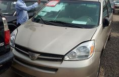 Cheap Toyota Sienna 2005 Gold for sale
