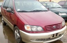 Used Toyota Picnic 2000 Red for sale