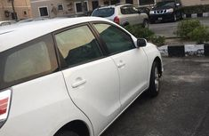 Clean Toyota Matrix 2007 White for sale