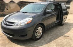 Tokunbo Toyota Sienna 2008 Grey for sale