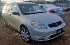Tokunbo Toyota Matrix 2003 Silver for sale