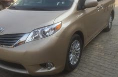 Tokunbo Toyota Sienna XLE 2012 Gold for sale
