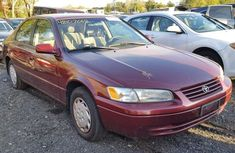 Clean direct tokunbo Toyota Camry 1999 Red for sale