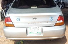 Clean NISSAN ALTIMA 2000 Silver for sale