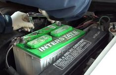 Car battery – How you can safely check and clean it
