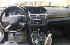 Clean Used Mercedes-Benz C200 2010 White for sale