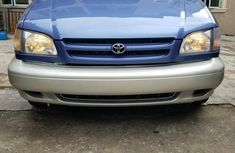2001 Toyota Sienna Blue for sale