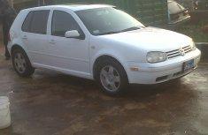 White colour Volkswagen Golf 4