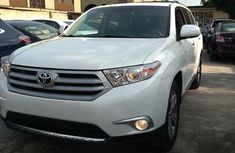 Toyota Highlander 2011 White for sale