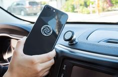 5 life-saving gadgets you must have while driving