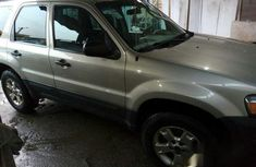 Registered Ford Escape 2005 Green For Sale.